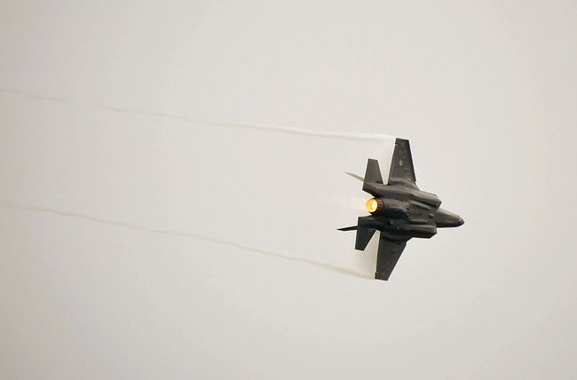JSF F-35 Leeuwarden luchtmachtdagen 2016 Show Demonstration Aircraft Airforce Capture The Moment Dutch Power Lines From Where I Stand Airplane Tadaa Community Speed