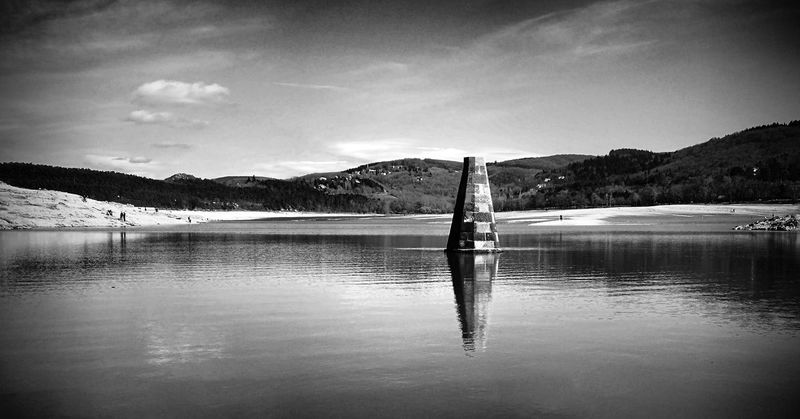 Lake Reflection Water Mountain Tranquility Tranquil Scene Sky Scenics Outdoors Nature No People Landscape Day Beauty In Nature Tree Capturedonp9 Huaweiphotoacademy Black&white Black & White Huaweip9photos Huaweishot Black And White Photography Huaweiphotography Dontsnapshoot Blackandwhitephotography