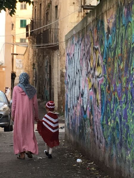 Palermo Ballaro' Mother & Daughter Walking Around Ancient Architecture Multi Ethnic Adapted To The City Adapted To The City With Land Rover Women Around The World Art Is Everywhere