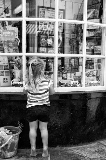 I want it all.......... Hanging Out Taking Photos Enjoying Life Relaxing Summertime Cornwall Uk Days Out Black And White Photography Shopping ♡ Longing