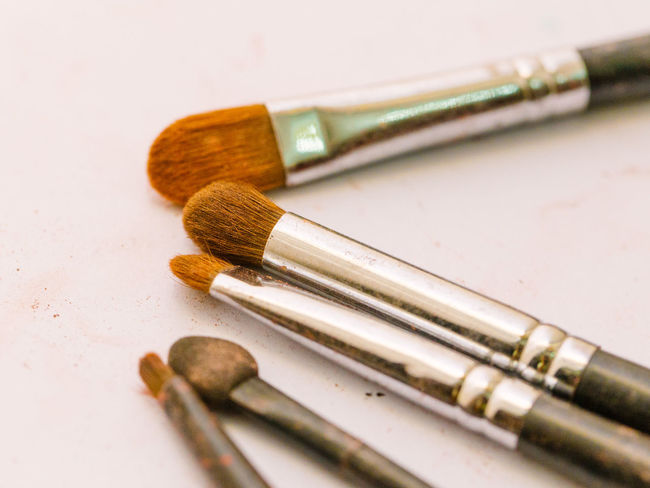 Cosmetics & Glamour Cosmetics.  Eyeshadow Fashion Make-up Makeup Set Brush Brushed Metal Brushes Brushes Make Up Brushpen Close-up Cosmetics Cosmetics Background Cosmetics Bag Fashionable Glamour Group Indoors  Macro Make Up Make-up Brush No People Still Life