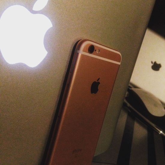I'm an Apple Addict...problem?🖕🏻 📌😘😏 Photooftheday IPhoneography Apple Iphone6s MacBookPro Macbookproretina Ipad Applemousepad Macintosh