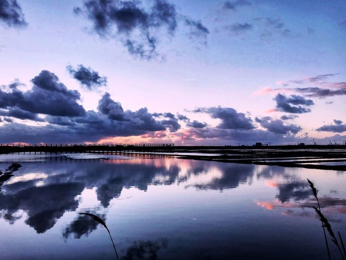 Mirror Calm Freedom EyeEm Nature Lover Reflection Water Sky Cloud - Sky Scenics - Nature Beauty In Nature Tranquility Nature Lake Tranquil Scene Waterfront Standing Water Sunset Reflection Lake Idyllic