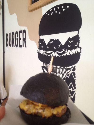 Charcoal Burger Delicious tummy Bamgkok