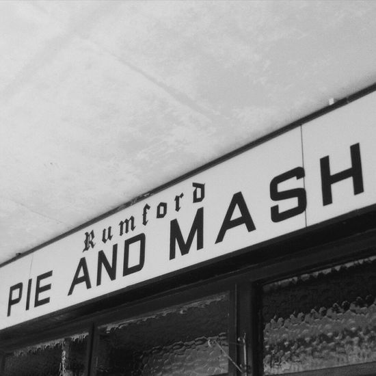 Pie & mash. My favourite Hanging Out Photography Cockney Beginnerphotographer Londonlifestyle Iloveeyeem Closeup Ilovephotography Architecture Traditional Essex Signboard Name Resturant Cockneylife