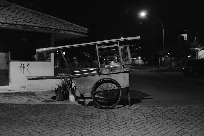 kaki lima spotted in surabaya java indonesia. what's a kaki lima? find out and follow along - https://www.instagram.com/five_legs/ B&w Street Photography Everydayasia Fujifilm_xseries INDONESIA Indonesia_allshots Kaki Lima Night Photography Street Food Street Photography Street Vendor Streetphotography Surabaya