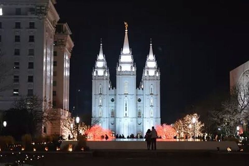 No filter needed. I have no clue who the couple is, but they're perfect in this Temple Square Saltlakecity Mormon Temple Christmas Lights