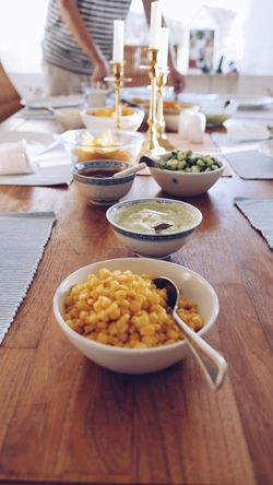 Table At Home Bowl Indoors  Food Healthy Eating Preparation  Vegetable Plate Freshness Cutting Board Healthy Lifestyle Ready-to-eat Day Close-up No People Corn Food And Drink Guacamole Table Setting Tabletop Dinnertime Dinner Table Bowls Ingredients