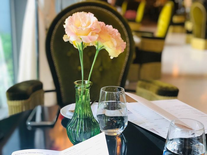 Flower Flowering Plant Table Freshness Plant Vase Indoors  Food And Drink Fragility Flower Head Restaurant Vulnerability  Refreshment Home Interior Focus On Foreground Drink Glass Nature Glass - Material Business