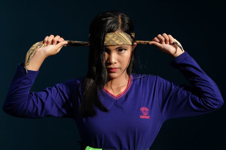 warrior Pencak Silat Girl Power Girl Fighter Fight Fight Wonder Woman Black Background Muscular Build Exercising Strength Human Hand Studio Shot Martial Arts Self-defense Combat Sport Warrior - Person Punching Boxing - Sport Fighting Stance The Modern Professional This Is Natural Beauty
