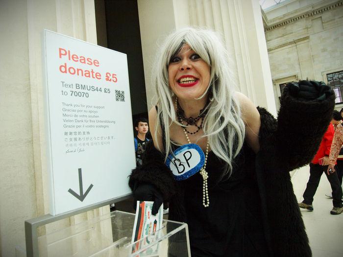 BP Oily cashmob performance protest flashmob at the British Museum. Who are part financed by BP. 14-05-2017 BP BP Or Not Bp British Museum Corporate Sponsorship Flashmob London London News New Olympus Photojournalism Steve Merrick Stevesevilempire Uk Zuiko