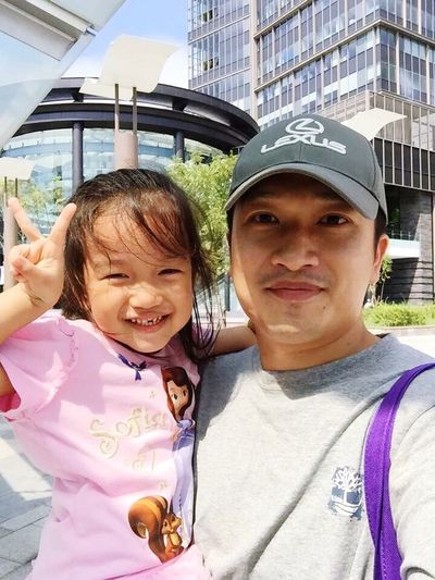 My Little Princess ♡  With Her Daddy Cute Sunny Day Asian Pose ✌️