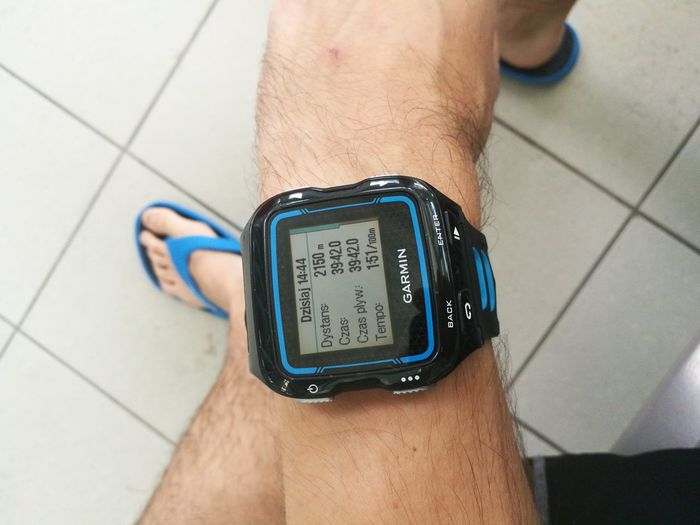 po treningu Garmin Garmin 920xt Swim Swimming Hand After Training EyeEm Selects Human Hand Men Time Business Finance And Industry High Angle View Close-up Smart Watch Checking The Time Wrist Timer Countdown Minute Hand Watch Wristwatch Pulse Trace Stopwatch Wearable Computer