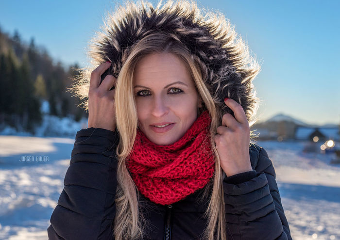 Sunny wintertime Available Light Photography Photo Photooftheday Picoftheday Model Female Model Smile Blonde Sunset Sun Girl Girls Nikon Photographer JuergenBauerPictures Portrait Portrait Of A Woman Portrait Looking At Camera Winter One Woman Only Headshot Only Women Front View Adult People Beauty Beautiful Woman Outdoors