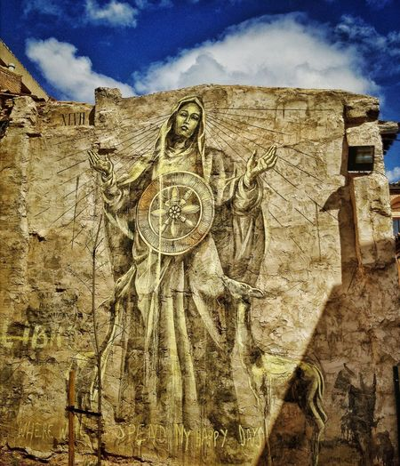 Grafitti en el casco viejo de Tudela Obra de la artista sudafricana @_faith47 Streetphotography EyeEm Best Shots Instagood