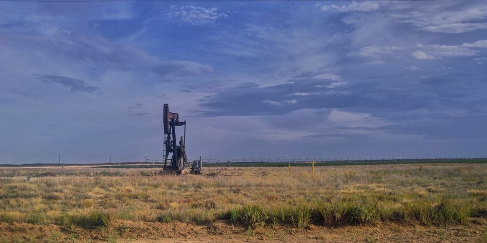 Oilfield Open Edit Cloudscape Clouds Collection Clouds And Sky West Texas Skies West Texas Eye4photography  Lg G4 Photography This Week On Eyeem Fine Art Photography Clouds Plains Texas Sunset #sun #clouds #skylovers #sky #nature Beautifulinnature Naturalbeauty Photography Landscape [ [ Oil Rig Oil Wells