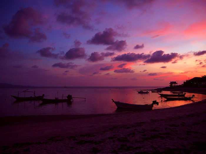 💜At Twilight💜 Sunset Atmosphere The Great Outdoors With Adobe Boat Calm The Journalist Eyem 2016 Awards Cloud - Sky Cloudy Dramatic Sky Dusk The KIOMI Collection Light Majestic The Great Outdoors - 2016 EyeEm Awards Moody Sky Nautical Vessel Spotted In Thailand Outdoors Sea Silhouette Sky Tadaa Community Thailand Tranquil Scene Water Reflections Sommergefühle