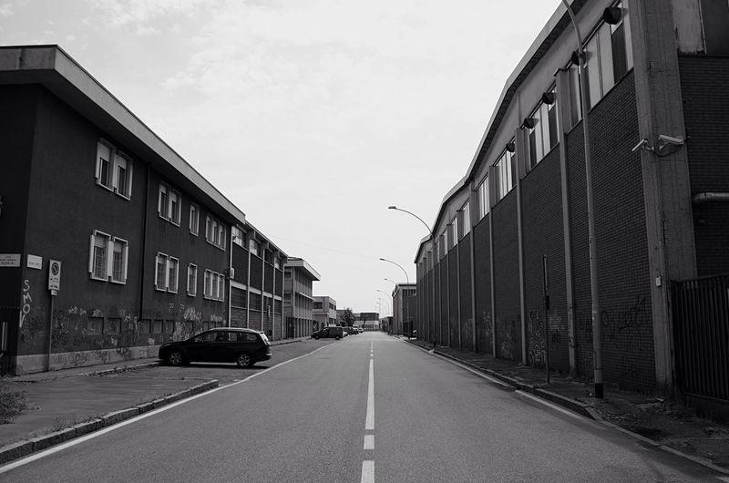 First Eyeem Photo Milano City Urban Symmetry Blackandwhite Car Building Prospective