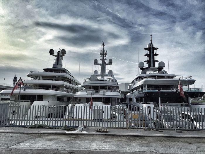 Luxury Boats Yachts Yate
