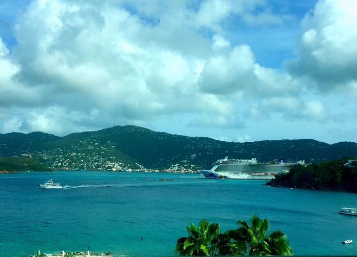 I can get used to island life :-) Enjoying Life Hanging Out EyeEm Gallery Islandlife Travel Photography Life Is A Beach Ocean View EyeEm Nature Lover Travelphotography Stthomas Vacation Caribbean Life Tourism Usvirginislands