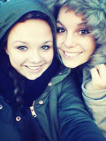 die Sonne genossen :) -Unbiological Sisters Mylove Bestfriends Always Fun Big Smiles -♥