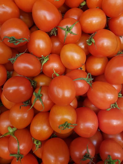 Freshness Red Healthy Eating Full Frame Fruit Food Backgrounds Cherry Tomatoes Cherry Tomato Large Group Of Objects No People Food And Drink Tomatoes Grocery Grocery Market Grocery Shopping Salat Bio Food Bio Tomatoe Tomatoes Up Close Food And Drink Vegitarian Vegetable