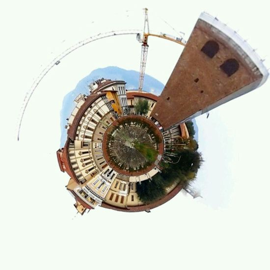 Planet Lungarno Round Streetphotography