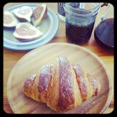 クロワッサン Breakfast