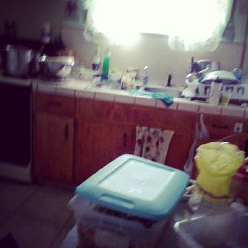 May11 Kitchen . Messy Blurry >.<