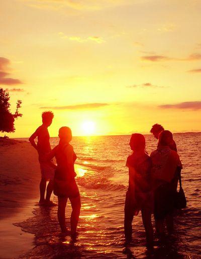 Crepuscular Rays, we miss u. Eyeem Philippines EyeEm Best Shots - Sunsets + Sunrise Sun_collection WeatherPro: Your Perfect Weather Shot