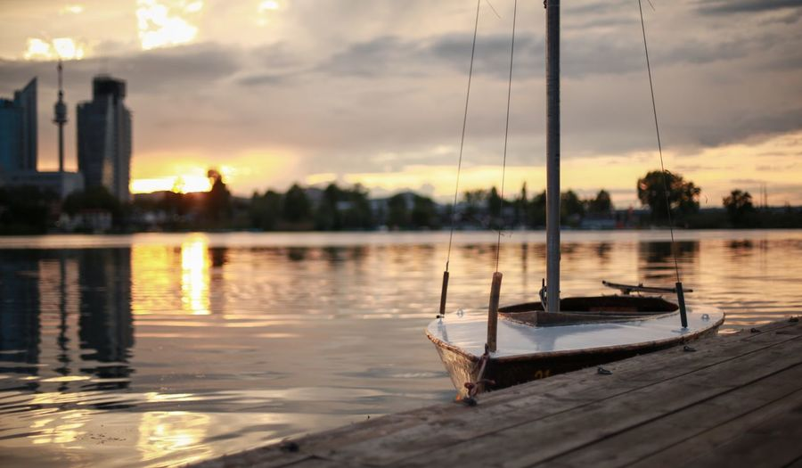 Selective Focus Sunset Grass Boat Lil⛵️ Day Reflection