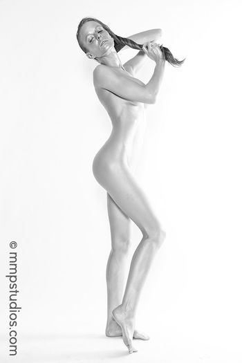 @melvinmaya @mmpstudios_com Beautiful Houston Studio Texas Beautiful Woman Beauty Blackandwhite Bodypaint Cannon Followme Full Length Gorgeous Model Photographer Photography Side View Silver  Standing Studio Shot White Background