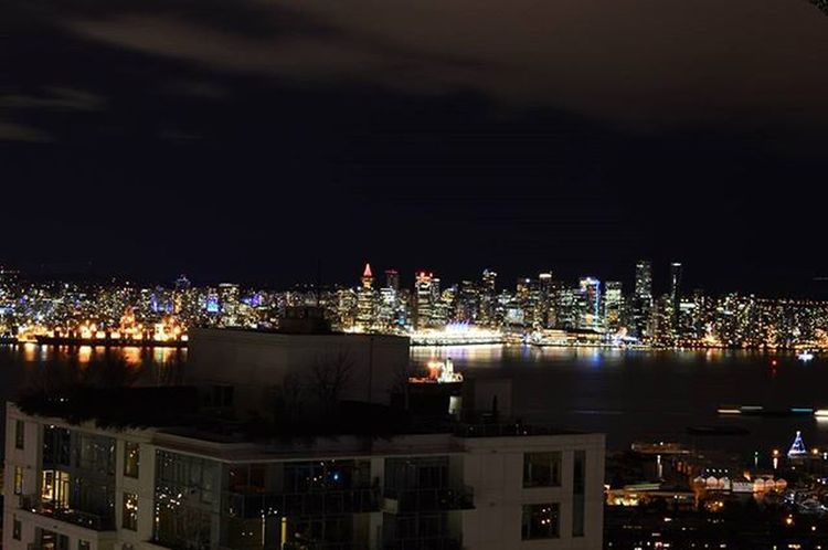 Good evening Vancouver Vancouver Downtown Decemberber Evening Northshore Northvancouver Vancitybuzz Vancouverofficial Instasky Instavancouver Clouds Nikon