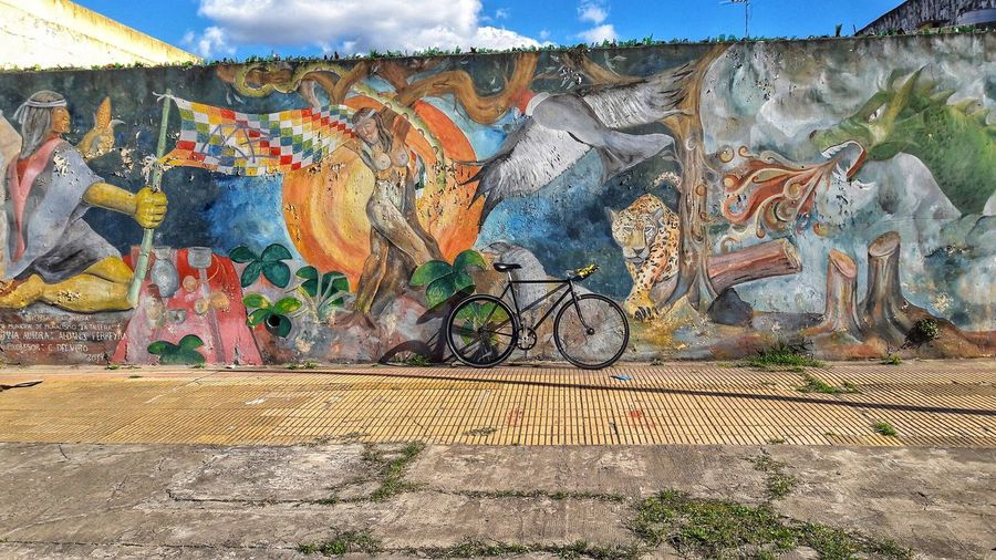 Fixie Graffiti Street Art Art And Craft Spray Paint Textured  Multi Colored Outdoors Day Pattern Full Frame No People Built Structure Backgrounds Architecture Close-up Grafiiti