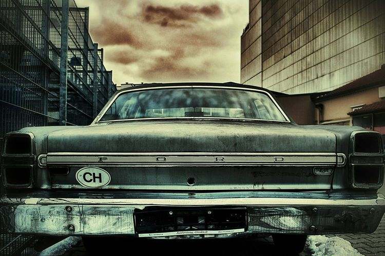 The Walking Dead Vintage Cars Backstreets & Alleyways May Be A Body Inside