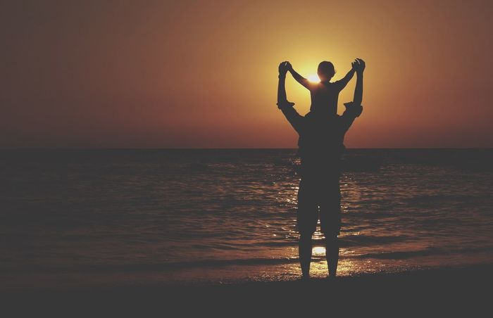 Horizontal Father's Day Día Del Padre Sunset Sunset_collection Sunset Silhouettes Silhouette Sea Cadiz Water Father Nature Lifestyles Standing Horizon Over Water Real People Silhouette Scenics Leisure Activity Tranquility Idyllic Sun No Identifiable People Generic Place The Great Outdoors - 2017 EyeEm Awards