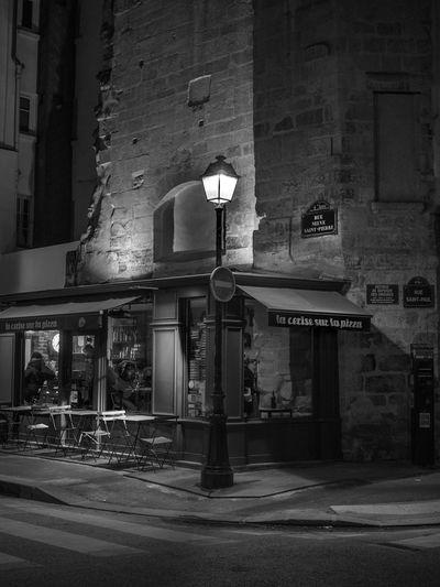The City Light Architecture Built Structure Building Exterior City Outdoors France Paris Paris, France  EyeEm Gallery EyeEm Best Shots Capture The Moment EyeEmBestPics I Love My City The Changing City Cityscape Night Illuminated Blackandwhite Noir Et Blanc