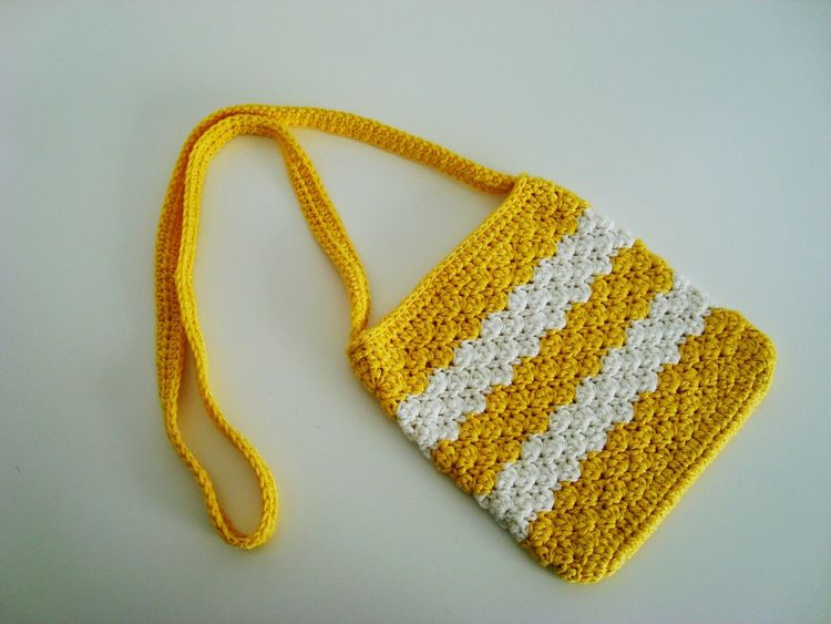 Bolsos Bolsos Que Enamoran Groc DIY Ganchillo Handmade Creativity Crocheting Is My Hobby Crochetlove Crochet Crocheting Yellow Studio Shot Love Gold Colored Food No People Gold