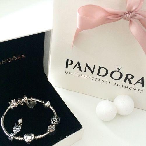 My PANDORA🎀 Jewelry People Pandora Pandora Bracelet  Pandoracharms Pandora Charms My Pandora ♥ Pandora's Box Love Christmas Gift Family
