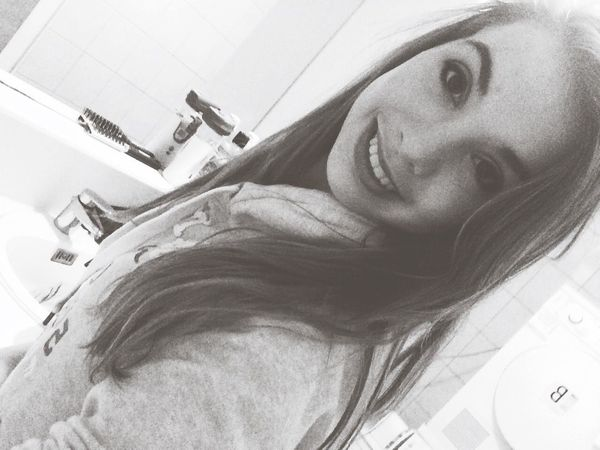 Check This Out That's Me Hello World Cheese! Hi! Taking Photos Makeup Selfie Blackandwhite ? Let's get ready