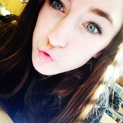 Kisses for me and not for anyone ? perfect eyes here! Can't get enough ???❤??????✨? PrettyMe BlueEyes Gorgeous Greeneyes brunette beauty beautiful selfie pinklips perfection science selfie prettyeyes follow followme doubletap hearit loveit