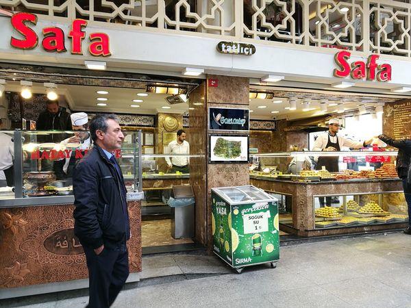 Türkiye 💙💛 Turkey💕 Turkey ♡ City Turkey Istanbul  égyptien Market Istanbul égyptien Bazar Istanbul Grand Bazar Istanbul Business Finance And Industry Businessman City Outdoors Turkey Turkey♥ Istanbul Turkiye Istanbul City Istanbulcity Istanbulstreetphotography Turkey Istanbul