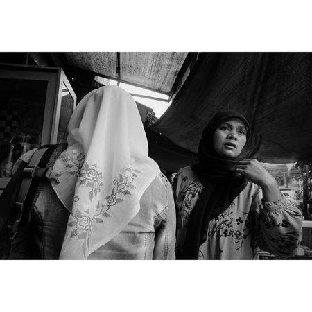 Candid from The Market Story Photography Streetphotography Streetbnw Indonesiaonthestreets explore bandung marketstory ig_bandung ig_indonesian instapic instaedit instavsvsco instadaily instabnw instamood instagood like like4likes tag4likes share4friend photooftheday vsco vscoedit vscogood vscomood vscodaily vscoaddict vscocam rcnocrop udatommo
