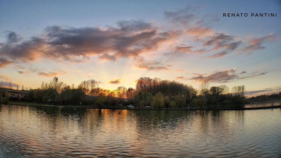 Tramonto Lago Di Chiusi Sunset Toscana Tuscany Lago Laghi Lake Lakes  Water Reflection Olloclip Olloclip Wide Samsung Galaxy S5 GalaxyS5 Sunsets Provinciadisiena Italia Italy