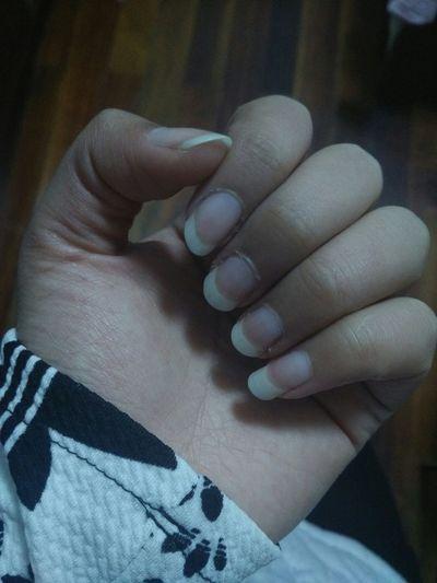 所以再也不会有人替你剪手指甲了。 舒舒