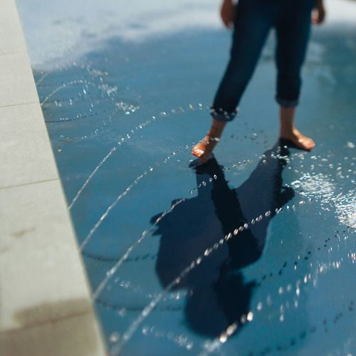 Playing with the water Berlin Low Section Human Leg Shadow One Person Leisure Activity Day People Outdoors water Lifestyles Sport Foot Feet Blue POTD Picoftheday Photooftheday Iga Sommergefühle