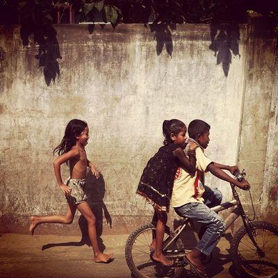 chase! Js Daily Life Street Children Joy Play Run Ride Bicycle Photojournalism Documentary Chaktai Chittagong Instagram The Street Photographer - 2017 EyeEm Awards The Photojournalist - 2017 EyeEm Awards