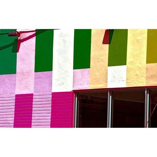 Pastel Wall Art Wallart Mur Peint Peinture Arlequín Façade Florida Floride Wynwood Miami Miamiwynwood Graff Green Vert Pink Rosé Purple Pourpre Jaune Yellow Blanc White windows fenetre