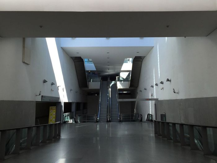 Metro Estadiododragao Porto Portugal Empty Places Underground Light Light And Shadow Architecture