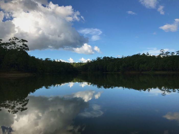 Reflection Sky Cloud - Sky Water Tranquility Tree Autumn Mood Scenics - Nature Beauty In Nature Lake Day This Is Natural Beauty This Is Natural Beauty